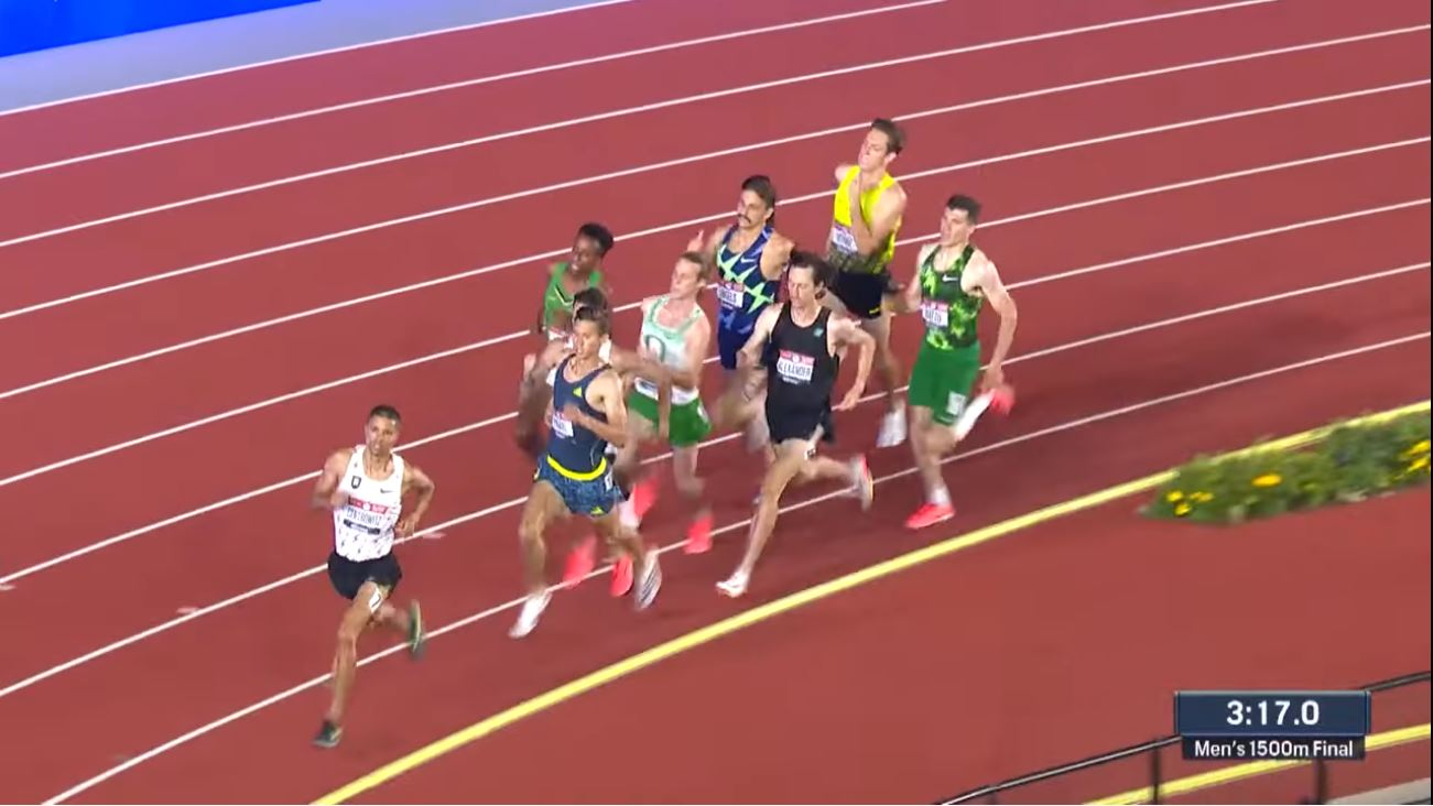 Cole Hocker with 120 meters to go at the 2020 Olympic Trials 1500